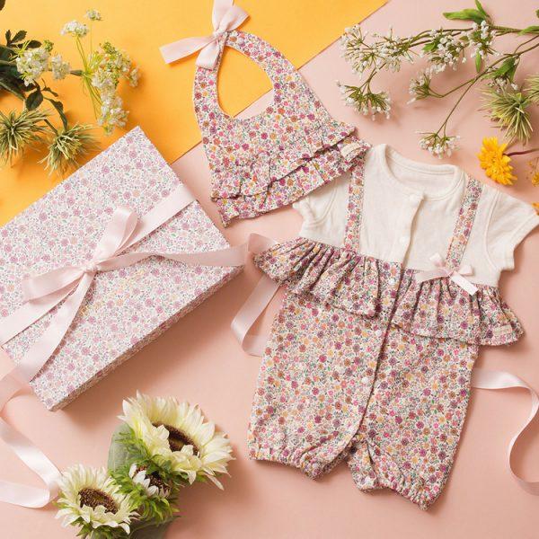 女の子出産祝い2点セット(名入れ可)【スタイ・2wayカバーオール(半袖)】