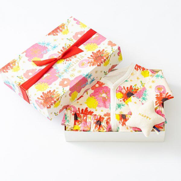 出産祝い2点セット(長袖カバーオール・ラトル)【オーガニックコットン使用】